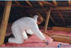 Hvordan isolere et loft tak med hendene